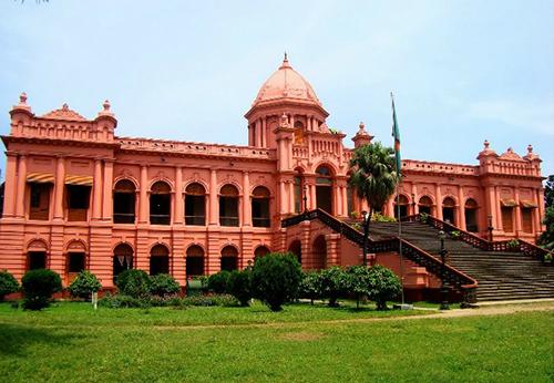 bangladesh-rozovyy-zamok
